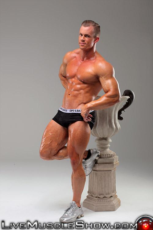 Mann bodybuilder musclehunks otto