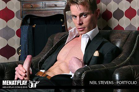 Neil Stevens Menatplay