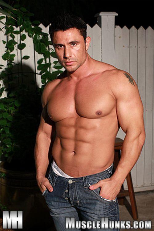 Musclehunks bodybuilder otto mann