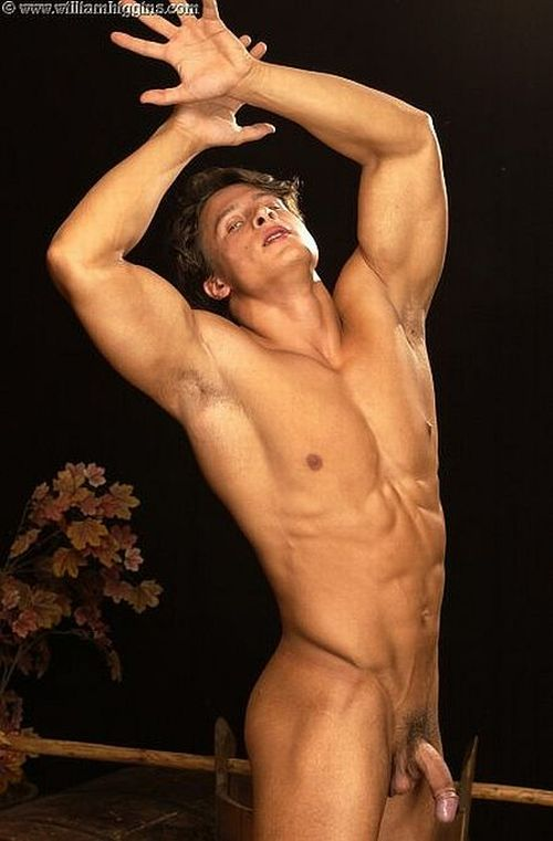 bodybuilder escort chat gay genova
