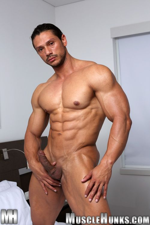 Naked muscle hunks