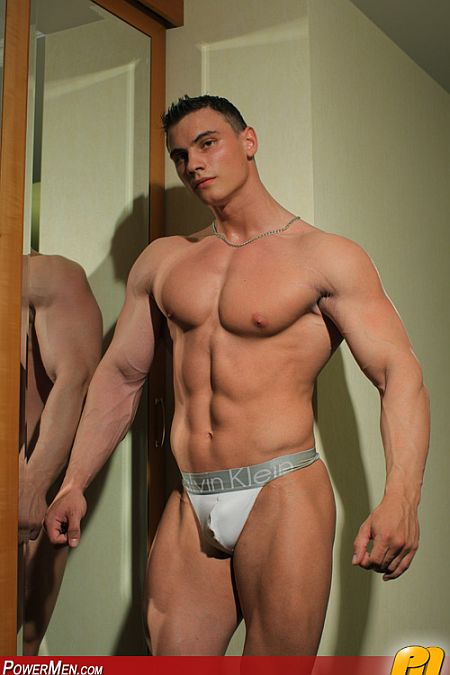 Helm muscle fritz nude