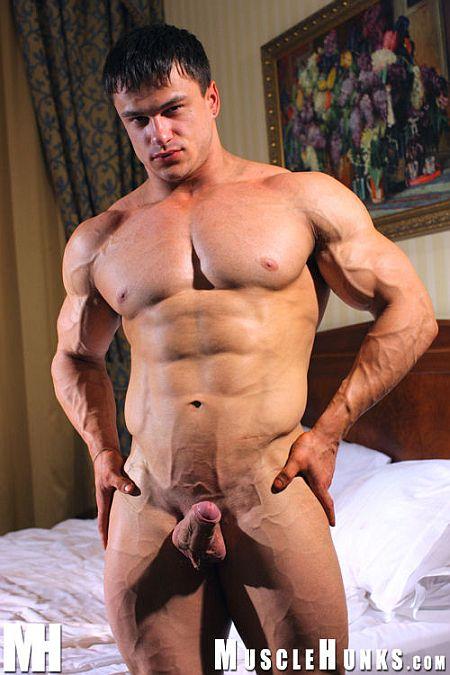 Anatoly Demidov Huge Euro Hunk At Musclehunks -7744