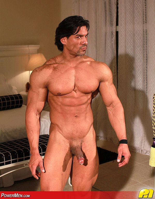 Raul Santos Fitness Trainer Keeps His Clients Happy  Men -1372