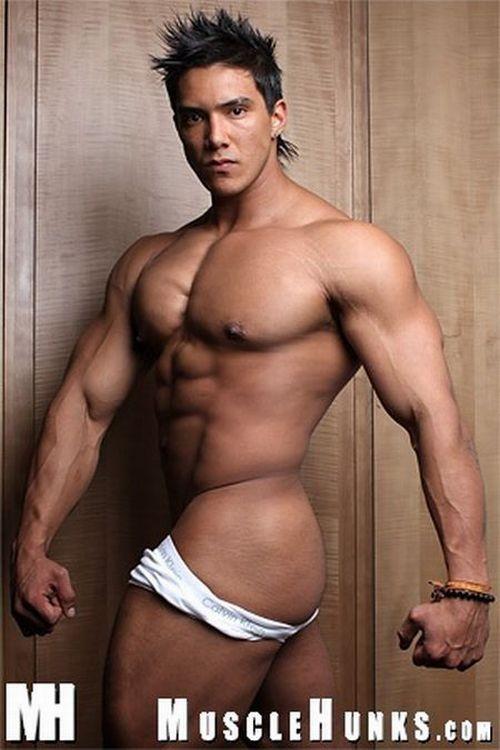 Wade nude muscle bodybuilder hunks trent